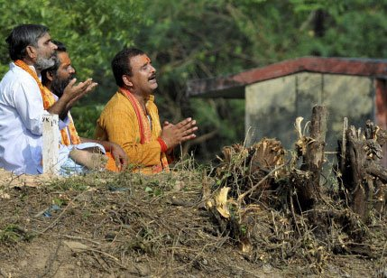 After gold hunt, Unnao now looks for a good representative