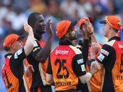 Pietersen fails to click as Hyderabad beat Delhi by 4 runs