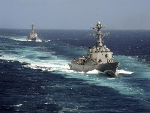 China ships return to disputed waters after Obama Tokyo visit