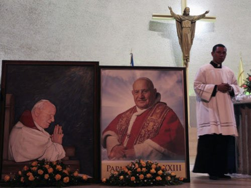 Vatican makes history with two pope saints day