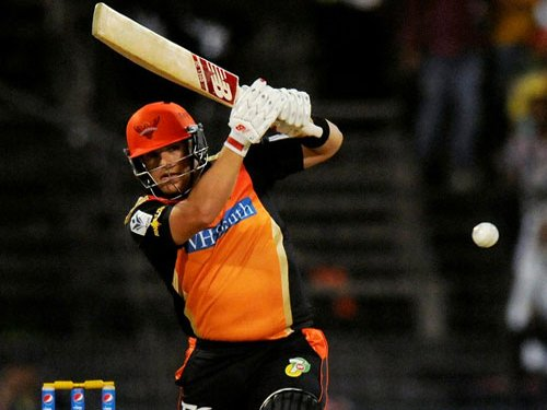 Warner, Finch reprimanded for breaching IPL Code of Conduct