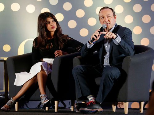 Spacey alarmed by 'House of Cards' piracy in India