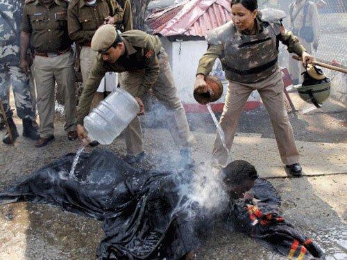 Youth sets himself ablaze, hugs BSP leader
