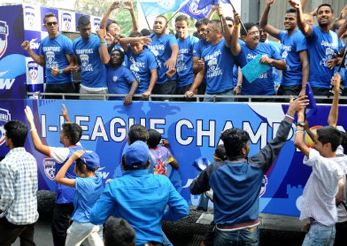 Blues get rousing welcome