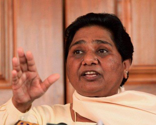 BJP managed astrologers to propagate 'wave' theory: Mayawati