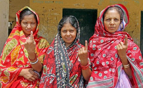 Over two-thirds vote in Bengal, Left claims booth capturing