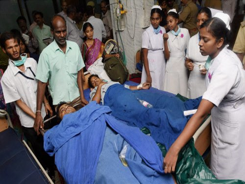 Woman techie killed, 14 injured