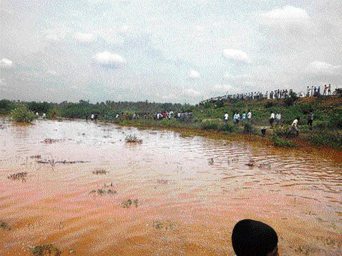 Sudden water flourish springs surprise in Hunsur village