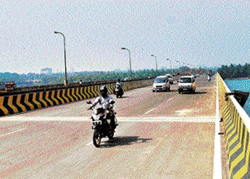 Now, brace for 7-8 pc hike in toll on other expressways