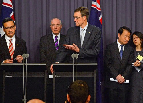 Aviation experts meet to plan next stage of MH370 search