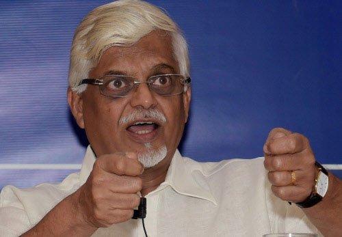 Chavan was disloyal to PM: Baru