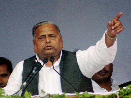 Mulayam says, Cong has shown intentions of joining Third Front