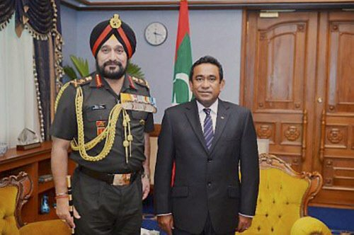 Army chief in Maldives to push dockyard project