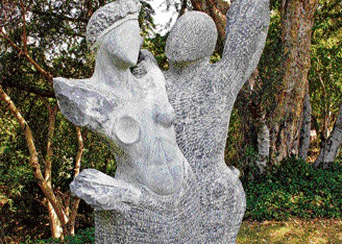 A sculptor's ode to women