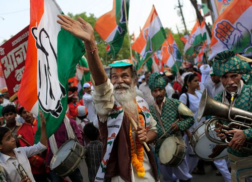Varanasi gears up for triangular fight to decide Modi's fate