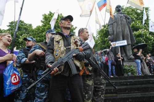 Insurgents in eastern Ukraine declare independence