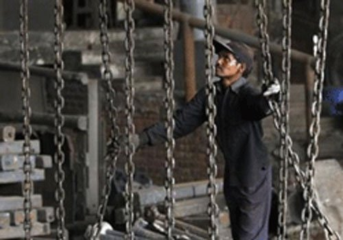 Industrial output remains negative, dips 0.5% in March