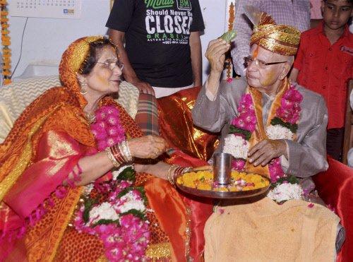 At 89, N D Tiwari turns groom, weds old flame