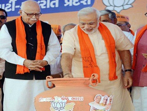 Advani calls up Modi to congratulate him