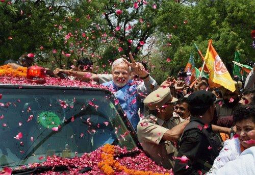 Modi gets hero's welcome in Delhi