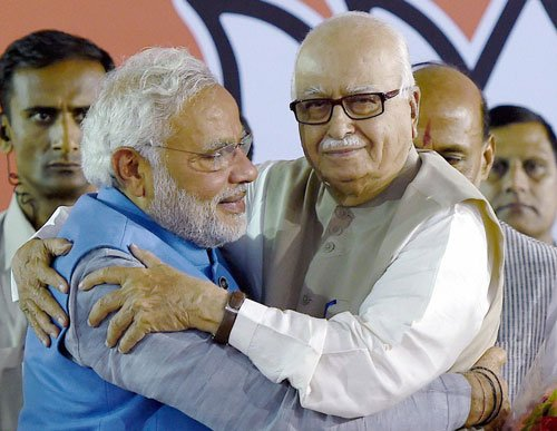 Govt formation plans picks up:Modi meets Advani, other leaders