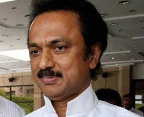 Stalin offers to resign, Alagiri calls it 'drama'