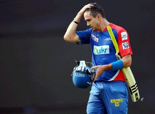 Delhi Daredevisl set Kings XI Punjab 165-run target
