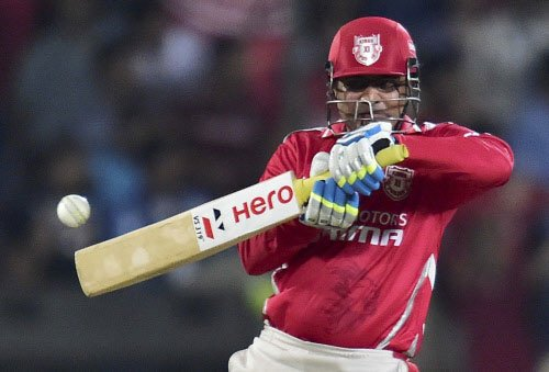 Kings XI stand tall against DD