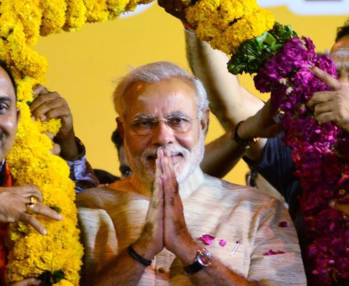 Modi bids farewell to Maninagar
