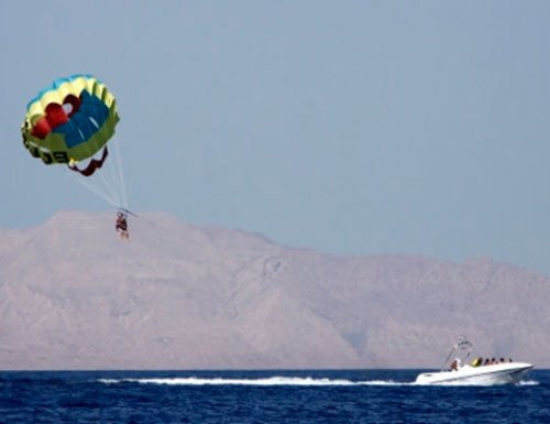 11-month-old girl sent on solo parasailing by parents