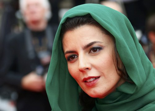 Iranian actress apologises for kissing in Cannes