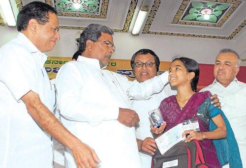 Karna CM not to attend Modi's swearing-in