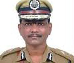 FIR against IPS officer for clicking pictures of a woman