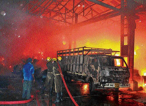 Goods worth lakhs destroyed in fire at paper mill godown