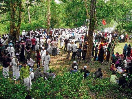 Devotees throng shrines in tiger reserves despite SC order