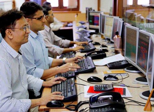 Sensex closes in red; bank stocks fall