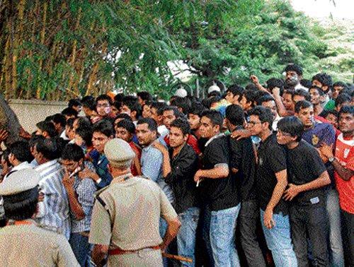 IPL frenzy at zenith much before match