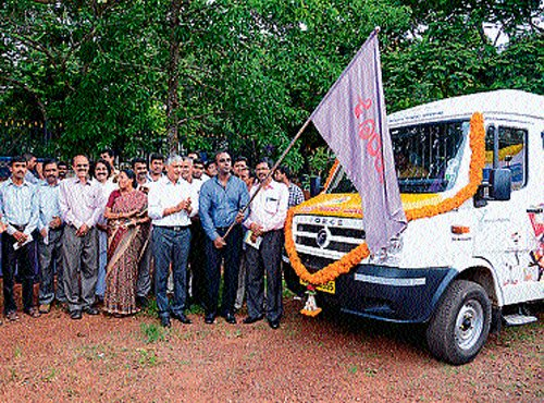 Mobile Konkani Bazaar arrives at Mangalore