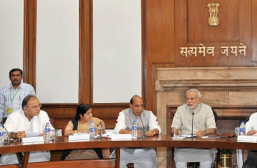 Modi warns ministers on sting ops