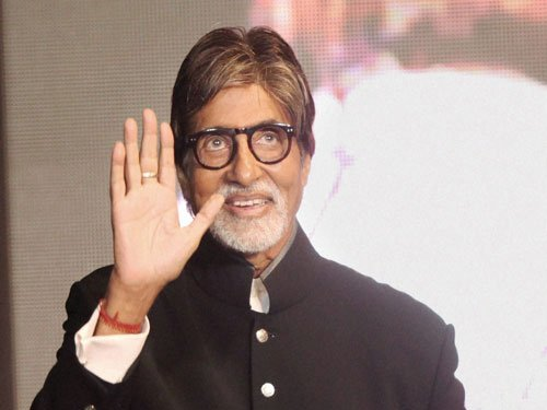 Big B had a boy's night out on marriage anniversary
