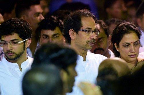 Uddhav seeks CBI inquiry into Munde's accident