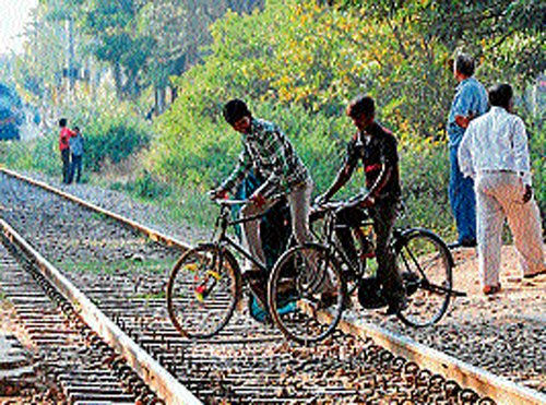 By 2016, SWR wants to be unmanned level crossings free