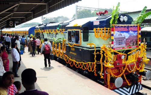 Assocham submits mega plan to transform Railways