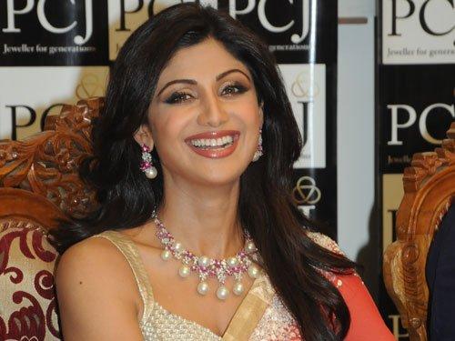 Actress Shilpa Shetty donates eyes