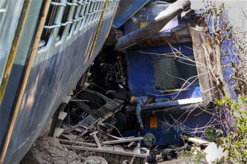 Train hits jeep at unmanned crossing, 11 killed