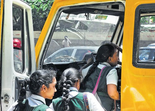 Traffic still crawls near schools