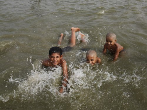 Heatwave persists in UP; death toll rises to 11