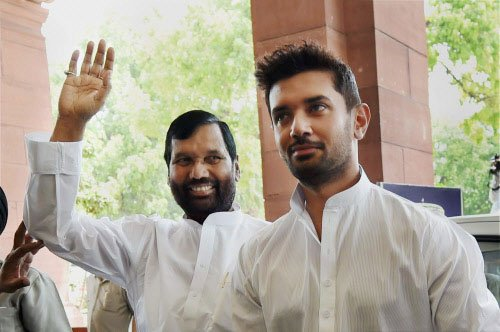 Paswan plays Dalit card over son's rise