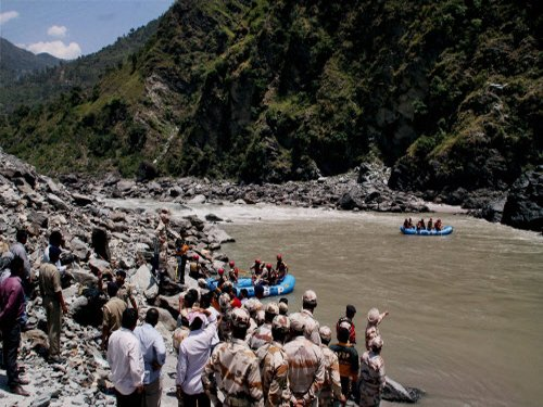 Rough river bed slows down rescue efforts