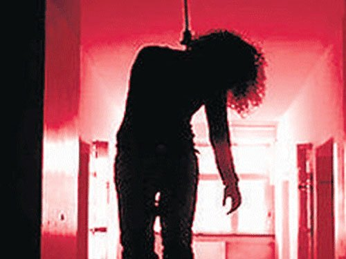 Teen found hanging in UP